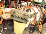 Vintage Treasures, Flohmarkt am Arkonaplatz, Berlin.