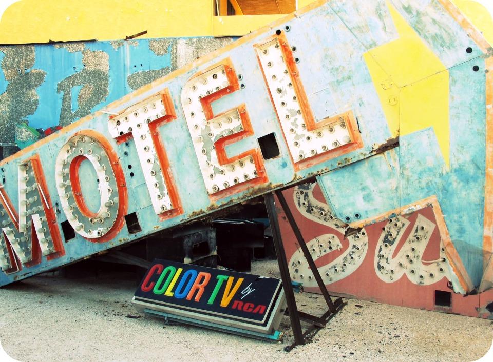 neon motel sign