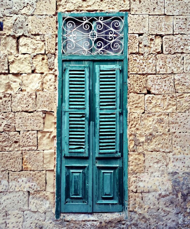 Green door in Vittoriosa.