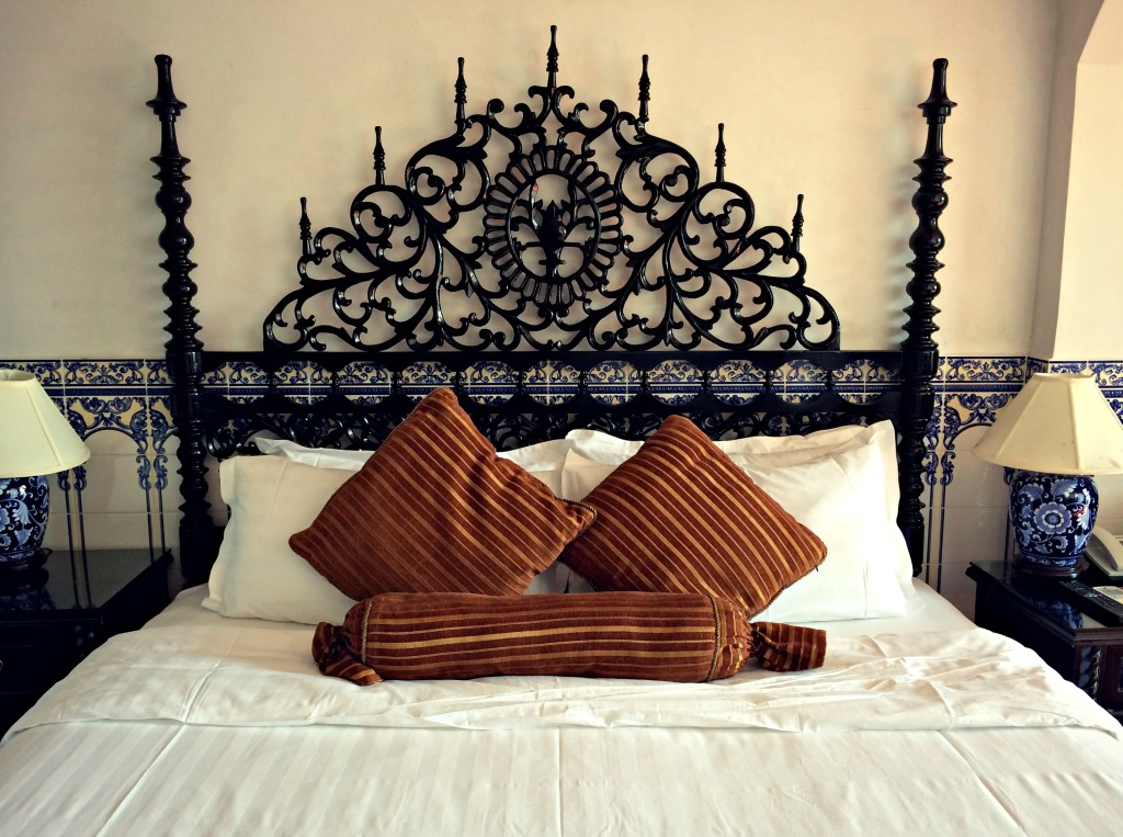 Headboard details at Pousada De Coloane.