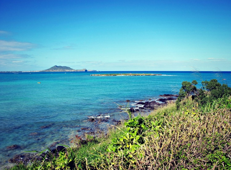 A view of Flat Island, as Mokulua Drive slopes up into Lanikai. (It really is flat, as you can see.)
