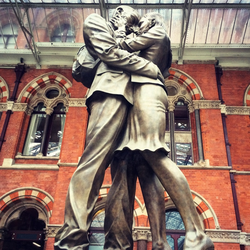 Obligatory statue shot at St Pancras