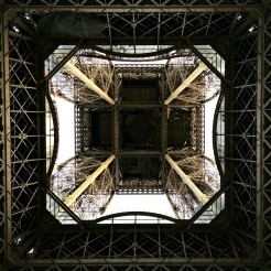 Tour Eiffel from underneath