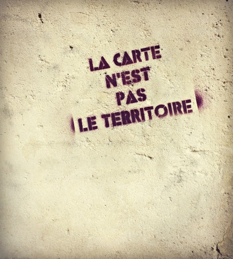Wall stencil in Montmartre