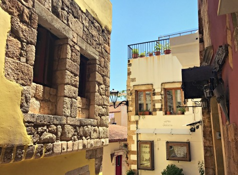 It was relatively quiet on the streets of the Topanas district, which made the neighborhood even lovelier to stroll.