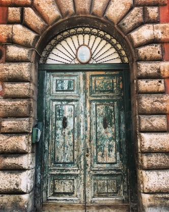 trastevere door